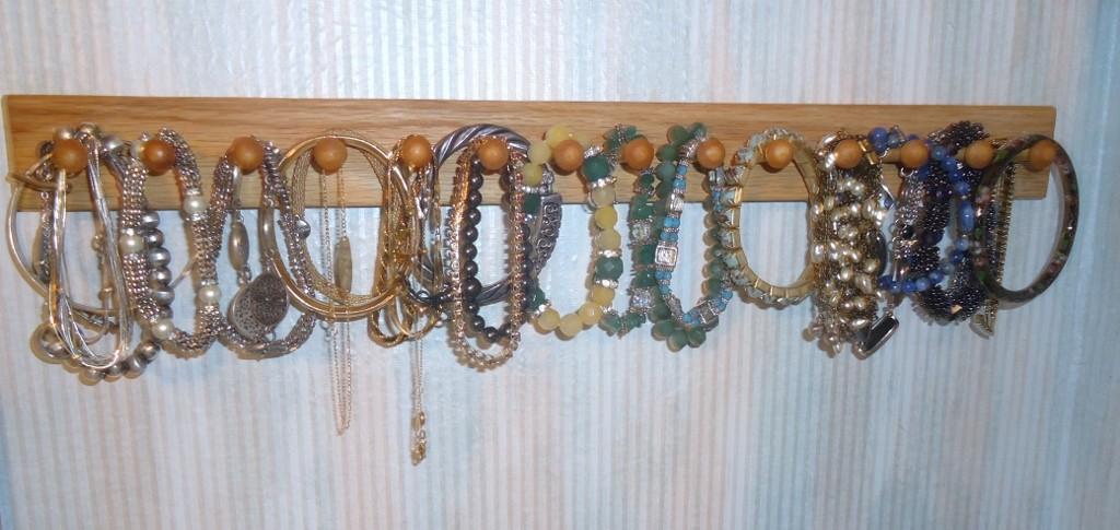 bracelet organizing