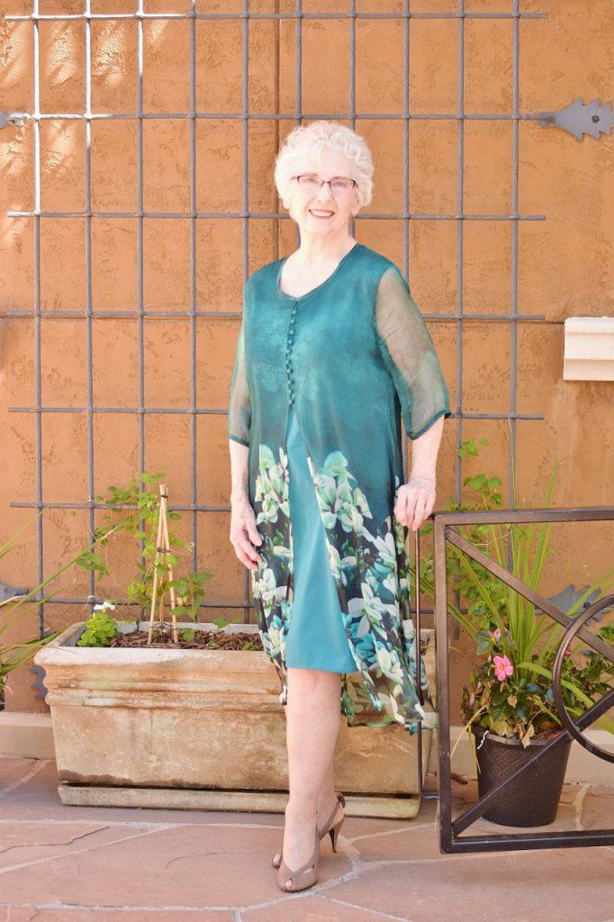 wearing accessories women 70+