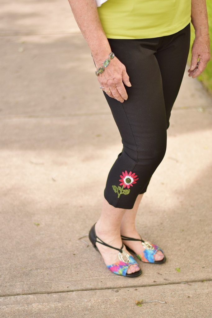 Capri pants for summer with embellishments