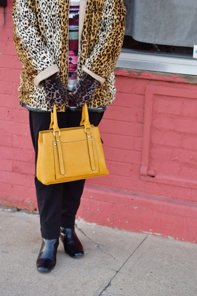 Leopard coats for Women with yellow purse