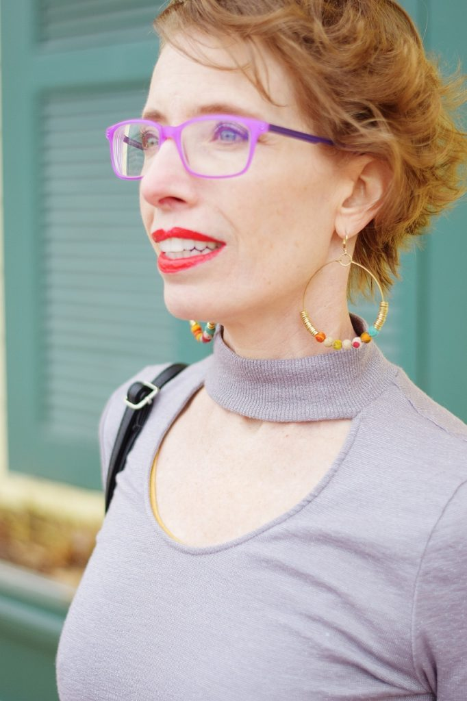 Minimalist outfits with earrings