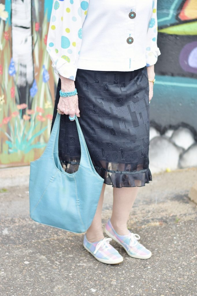 can your black dress style be appropriate for women with casual shoes