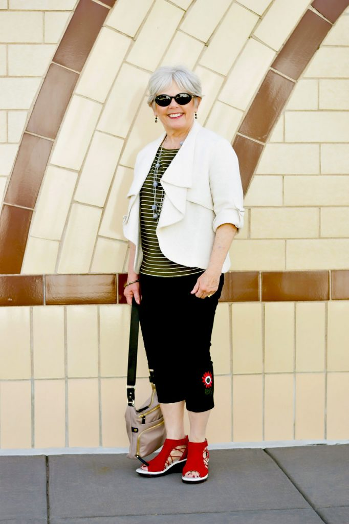 Wearing Summer sandals from Jambu footwear for a day of walking