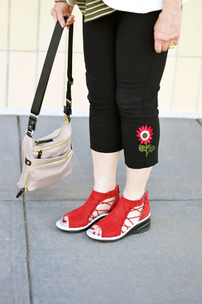 Styling Summer sandals from Jambu footwear with capri pants