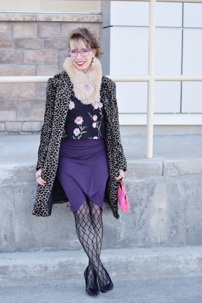 Using thrift tips to buy a leopard coat from Poshmark