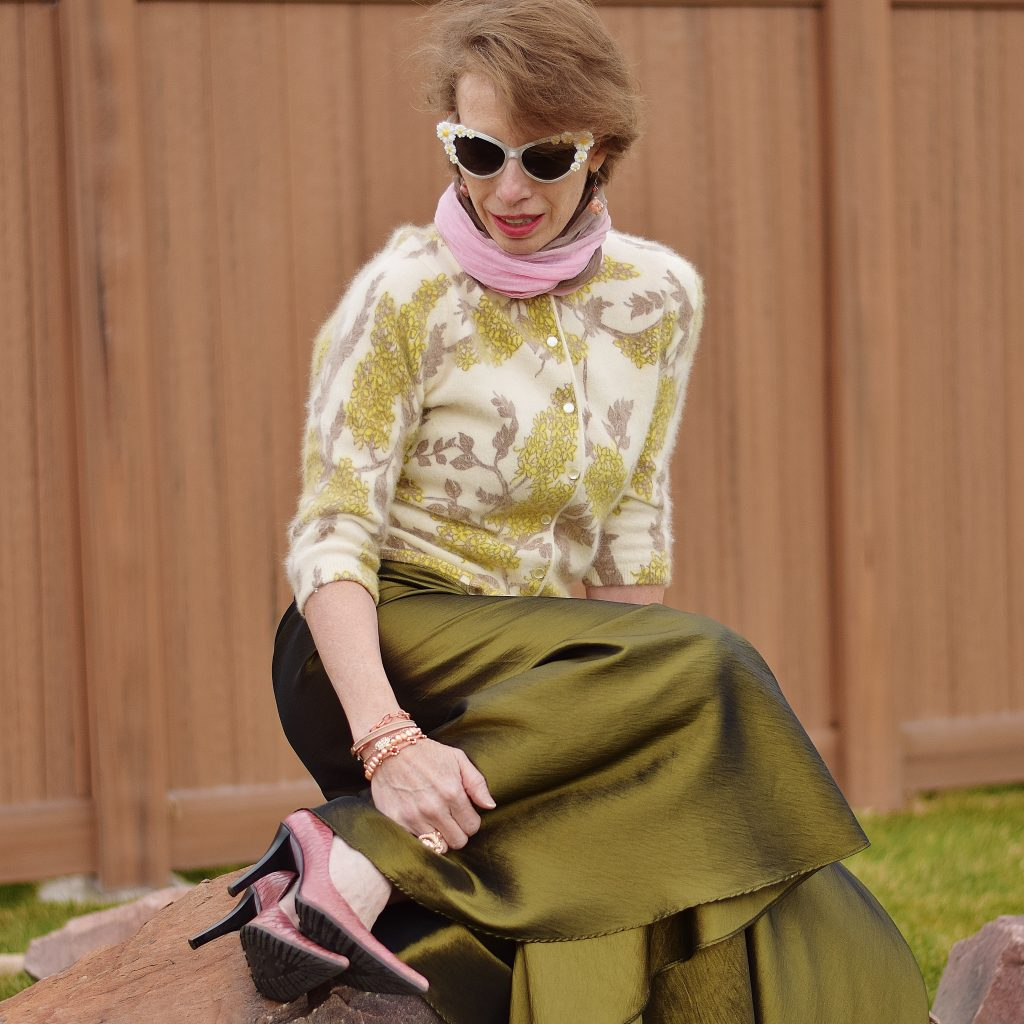 Using thrift tips to buy a maxi skirt from etsy