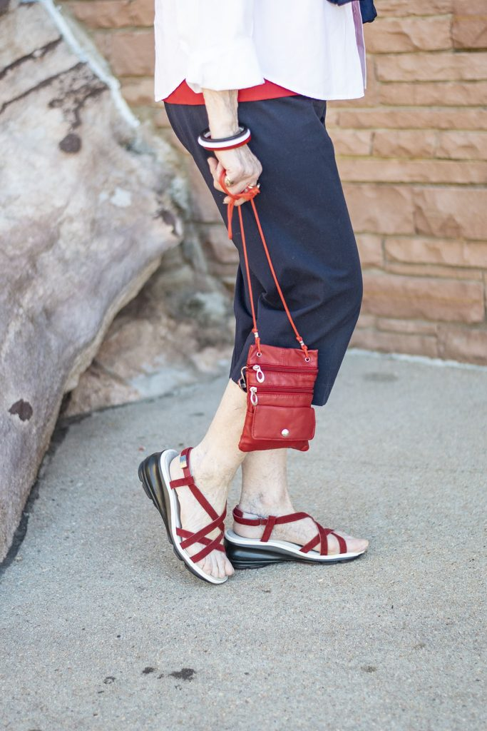 Styling 4th of July outfits for women with red accessories