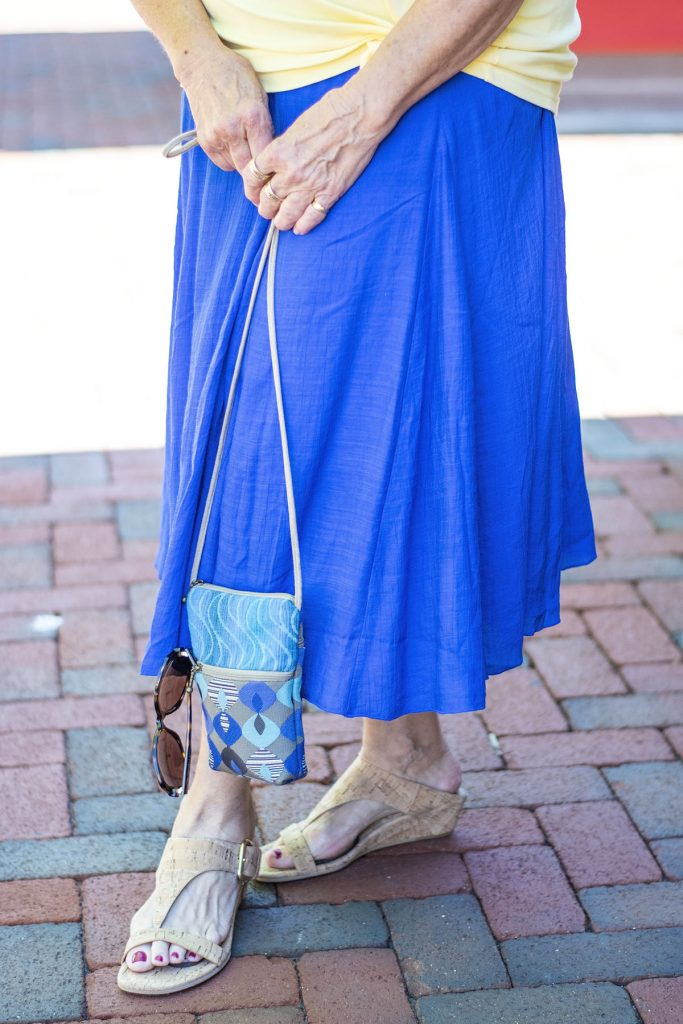 Bright colors for summer with a blue skirt