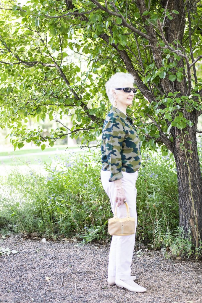 How to wear Camo and color with pastels pants