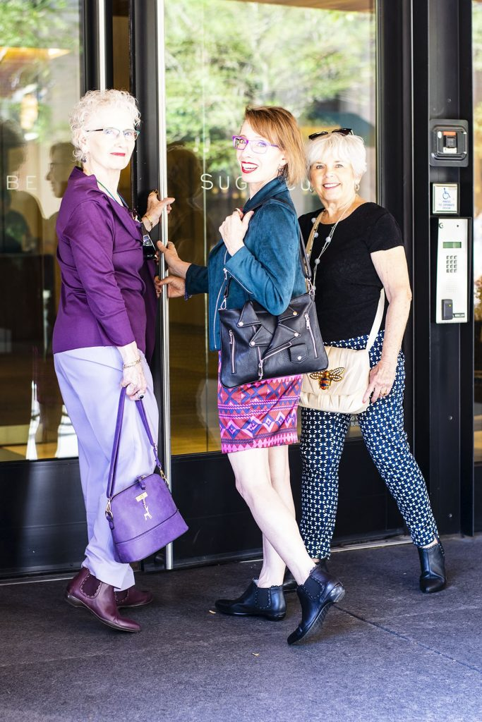 How to style fall outfits with comfortable booties for women and walking