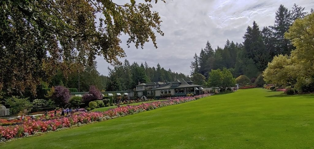 Alaska shore excursions in butchart gardens for great scenery