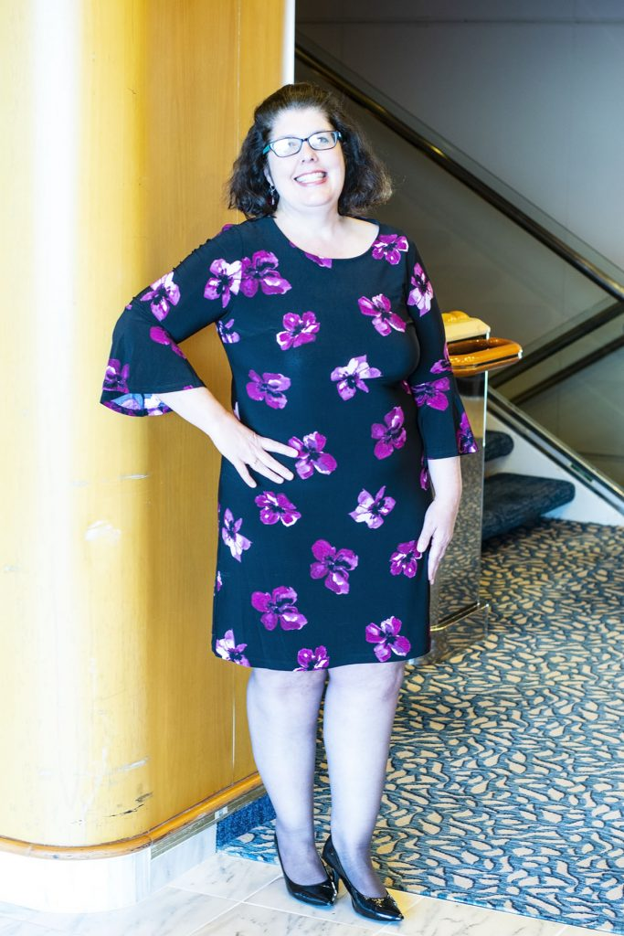 Cruise travel outfits for women in cooler temperatures