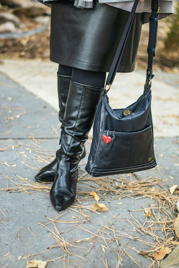Black leather skirt outfit ideas with black boots