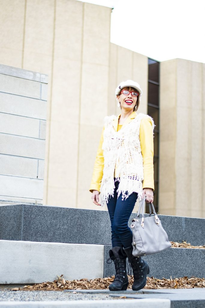 How to style comfortable boots for women with a boho style