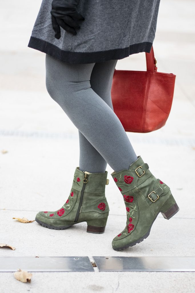 How to style comfortable boots for women wearing leggings