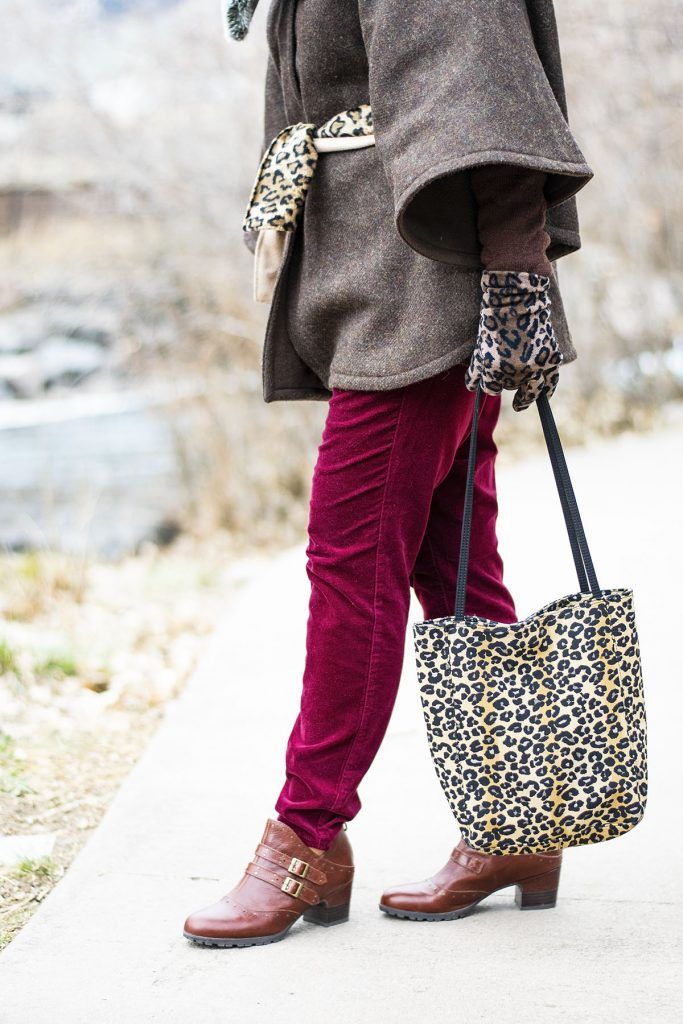 How to wear a faux fur scarf with velvet jeans