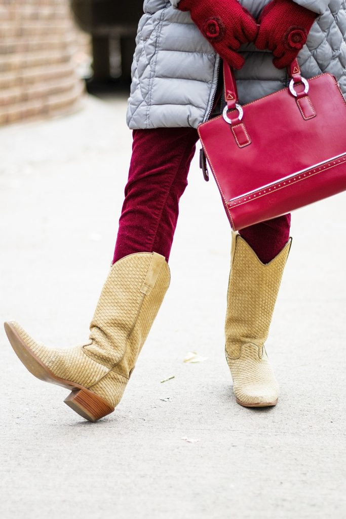 How to wear a faux fur scarf with cowboy boots
