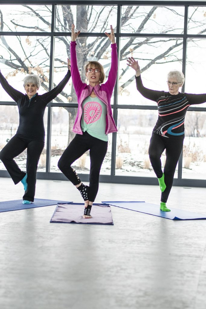 How to wear workout clothes for women over 50 including older ladies