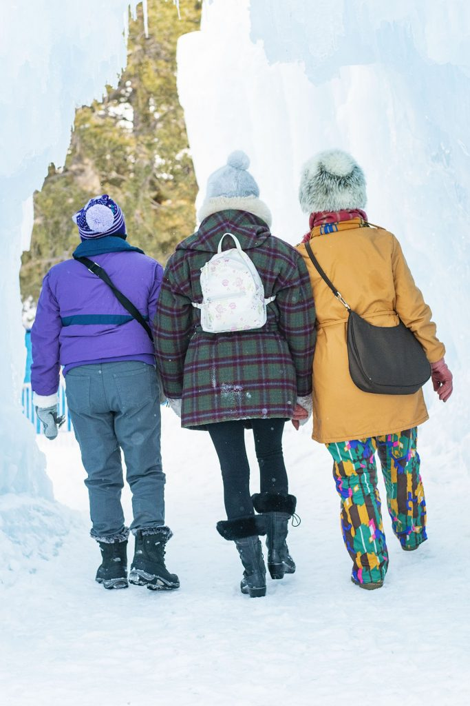 How to style a snow outfit for mature women
