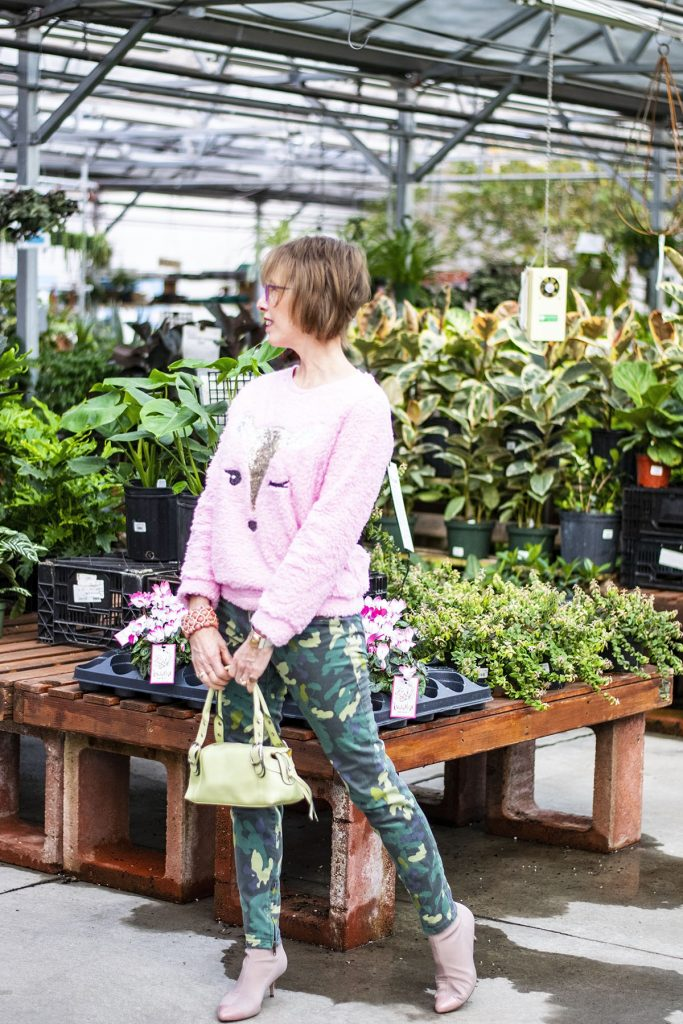 How to wear green and pink for the spring