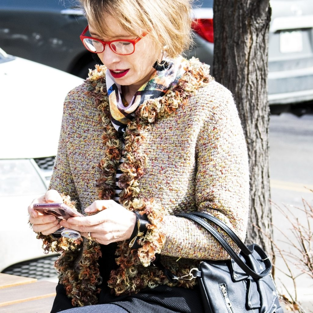 Advantages of social media for older women