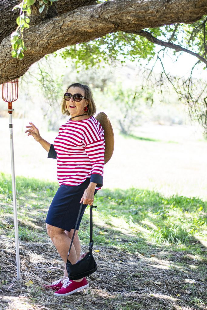 Woman over 60 and what to wear to go apple picking