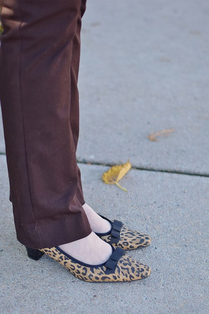 How to wear printed shoes for older women