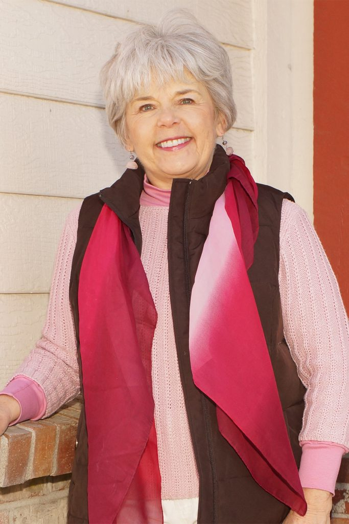 Styling ways to wear pink in October with brown