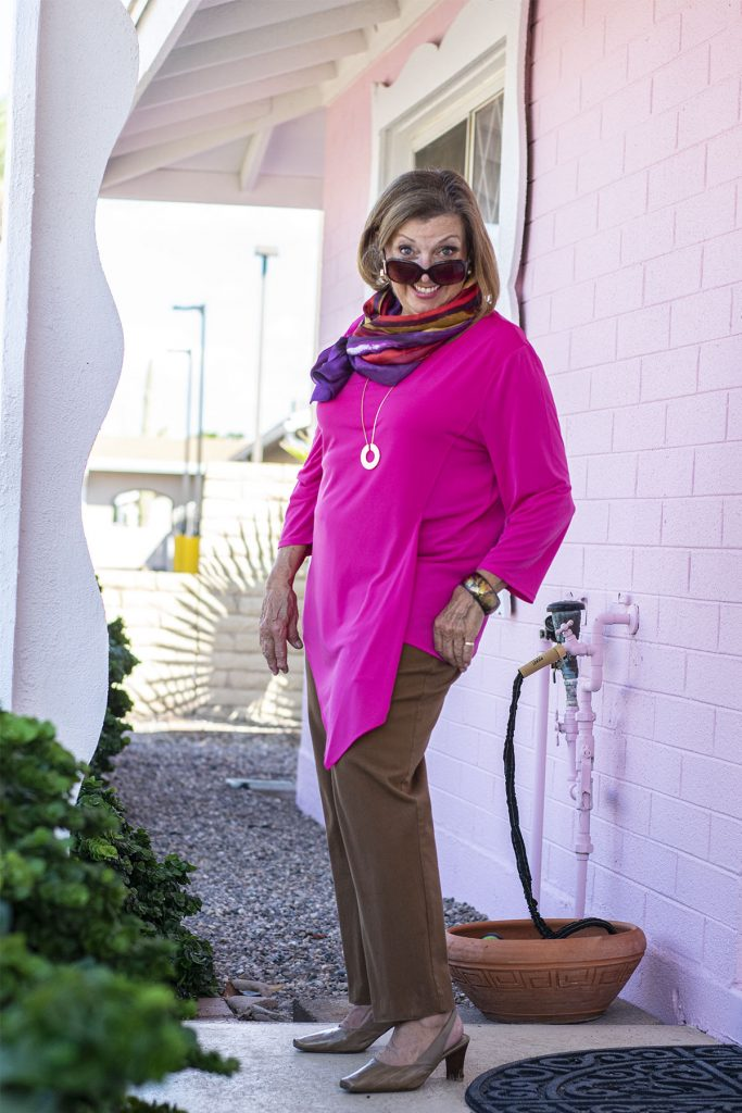 Can you wear hot pink in the fall