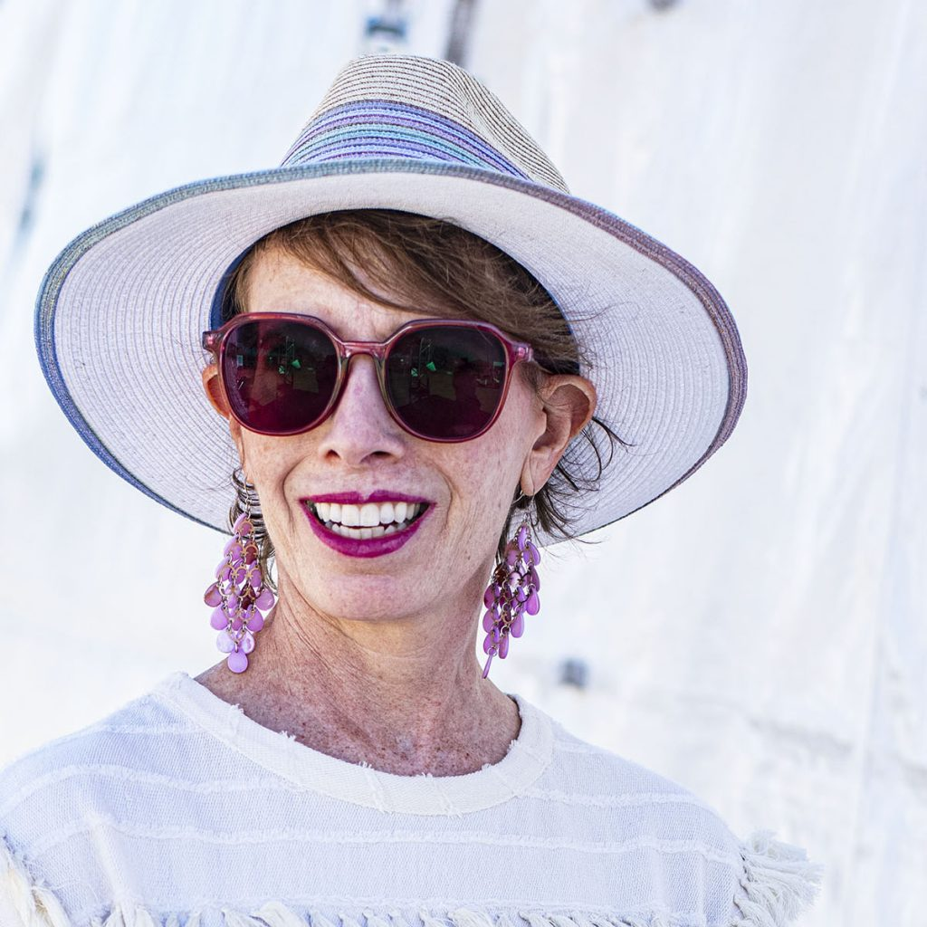Sunnies and hat