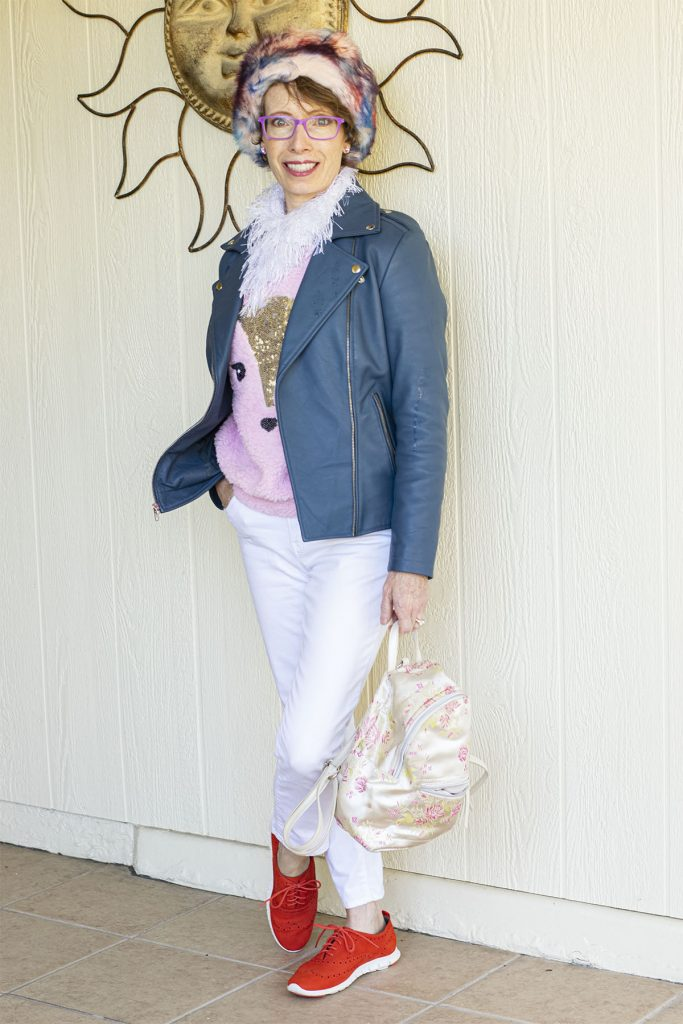 Leather jacket outfit ideas with white jeans