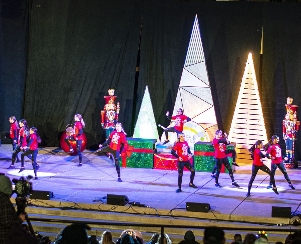 Entertainment at Glendale Glitters