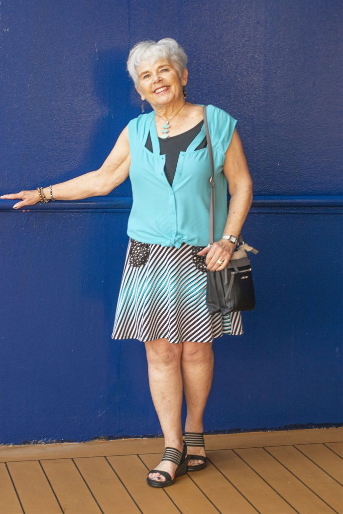 Cruise wear and how to wear short skirts