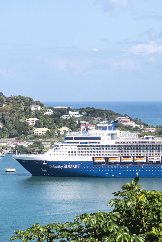 Cruise ship and how to pack for one