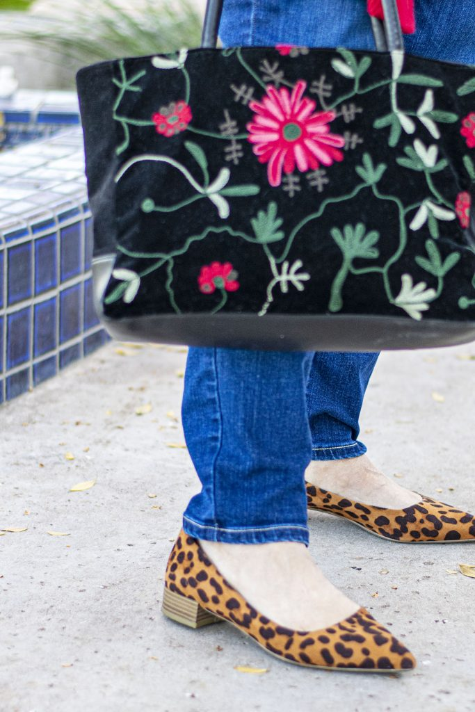 Print mixing with shoes and purse