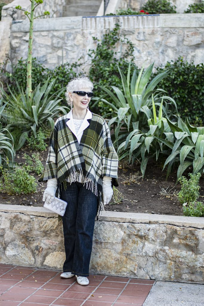 How to dress vintage chic with a dressy clutch
