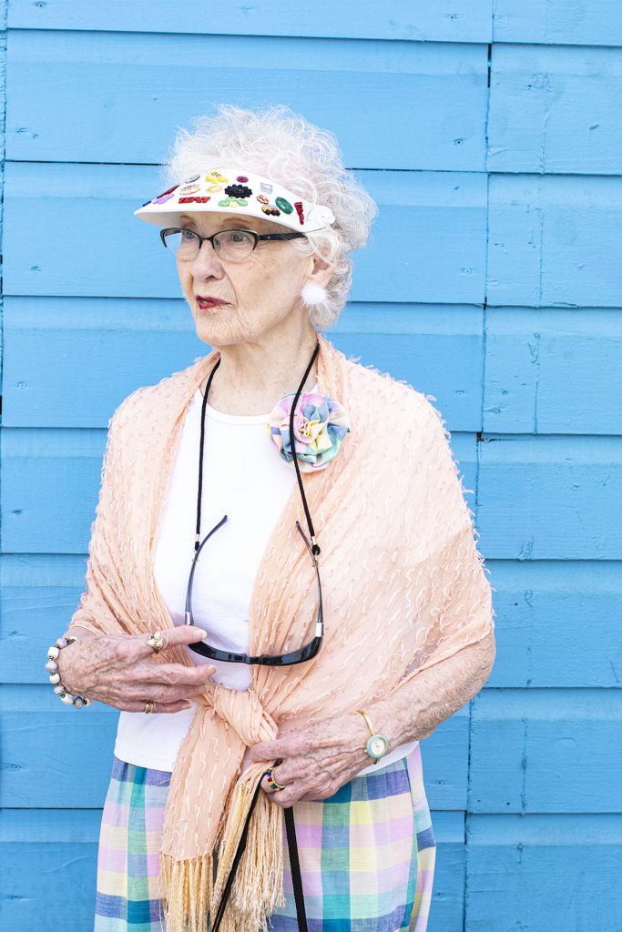 How to style skirts for women over 80