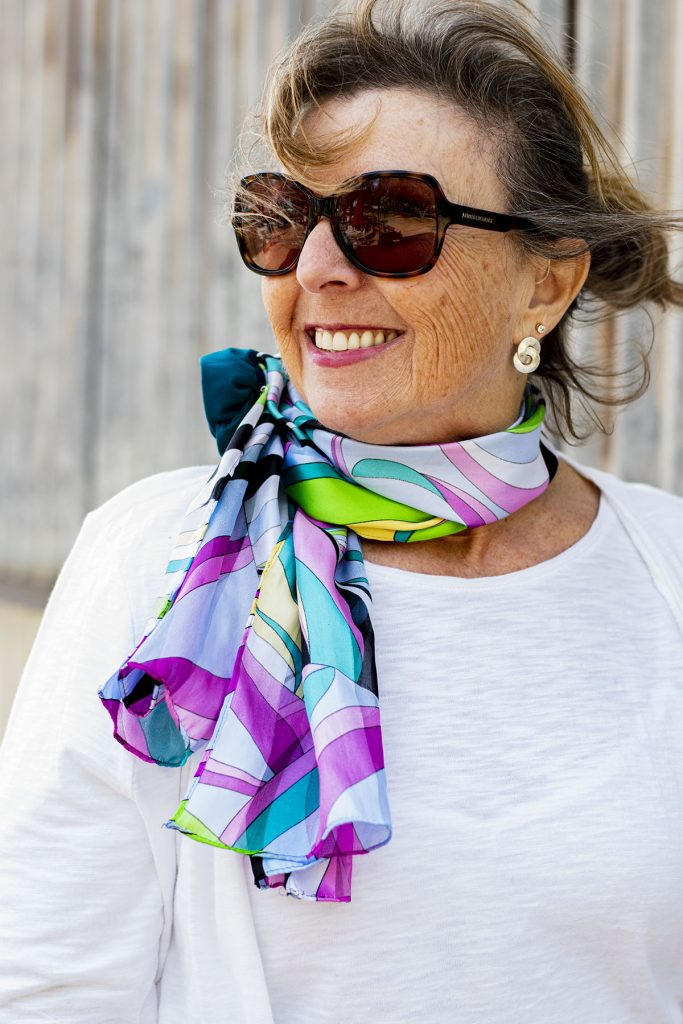 Ways to style accessories for better color