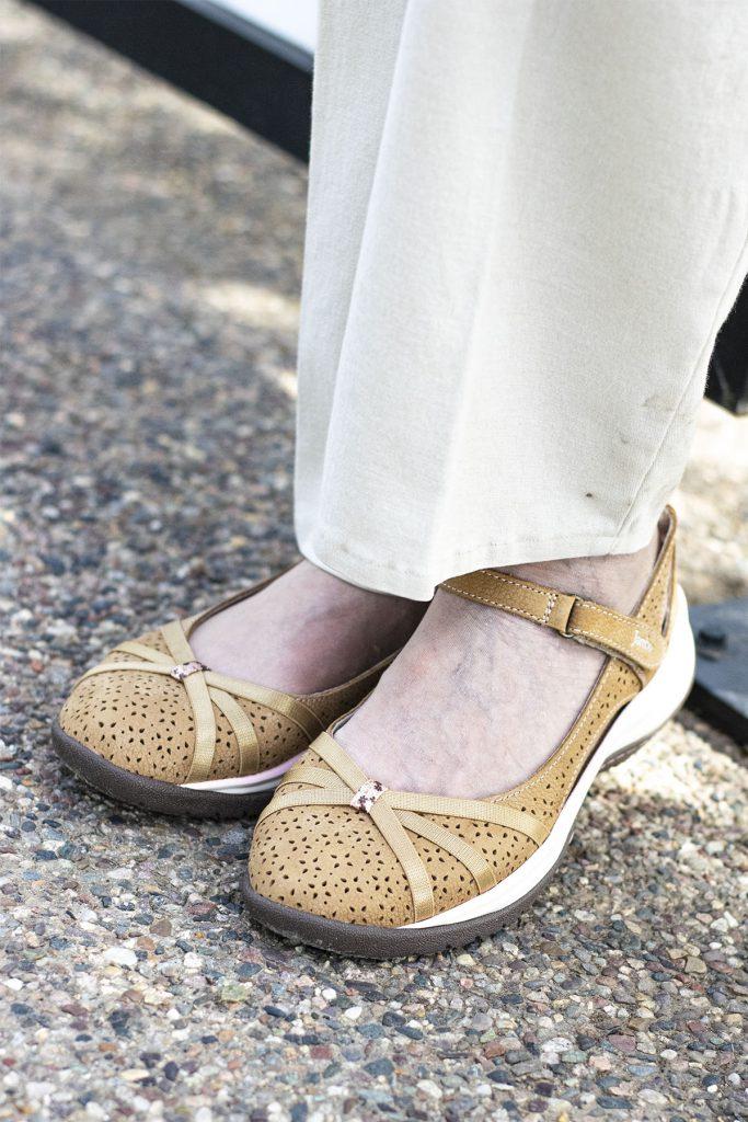 Styling feminine sneakers