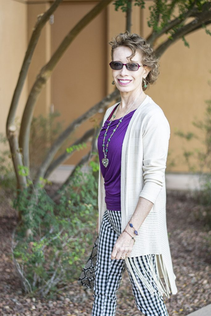Wearing and using tips for accessorizing an outfit