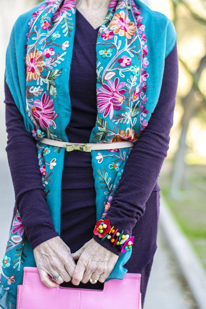 Bright colors as style for a big bust