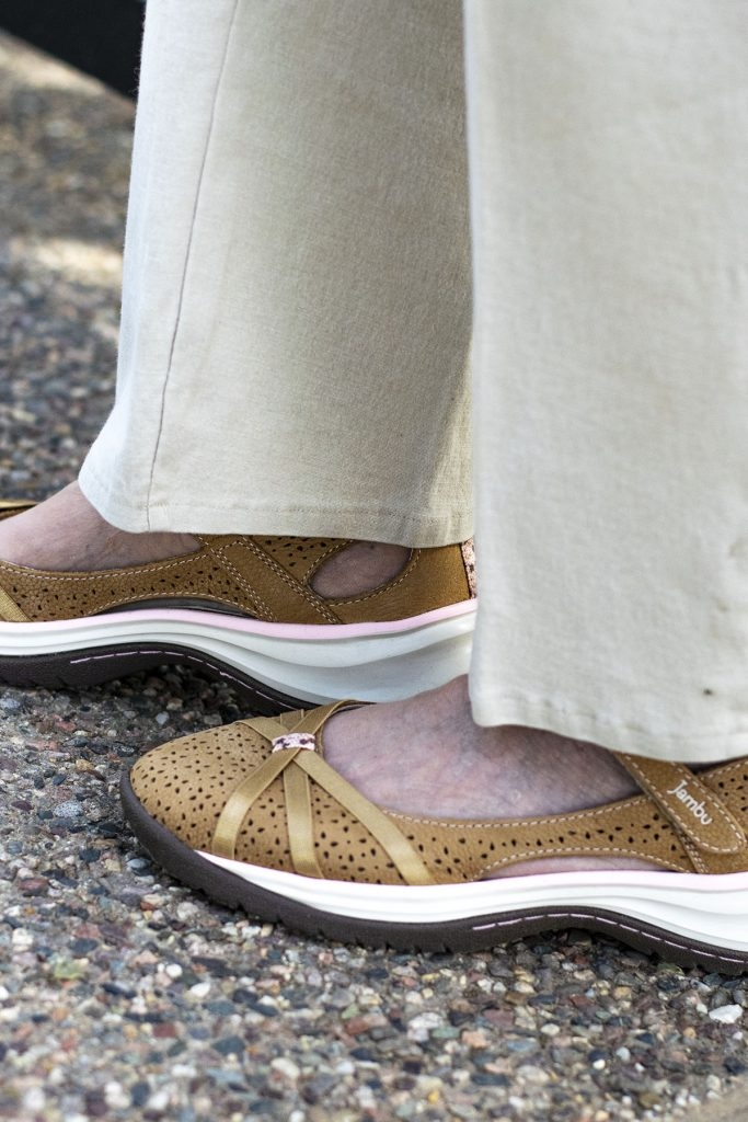 Feminine sneakers from Jambu