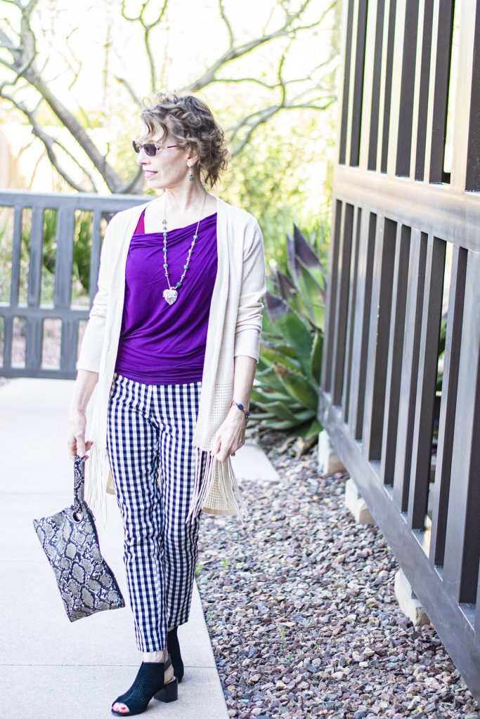 Woman over 50 and tips for accessorizing an outfit