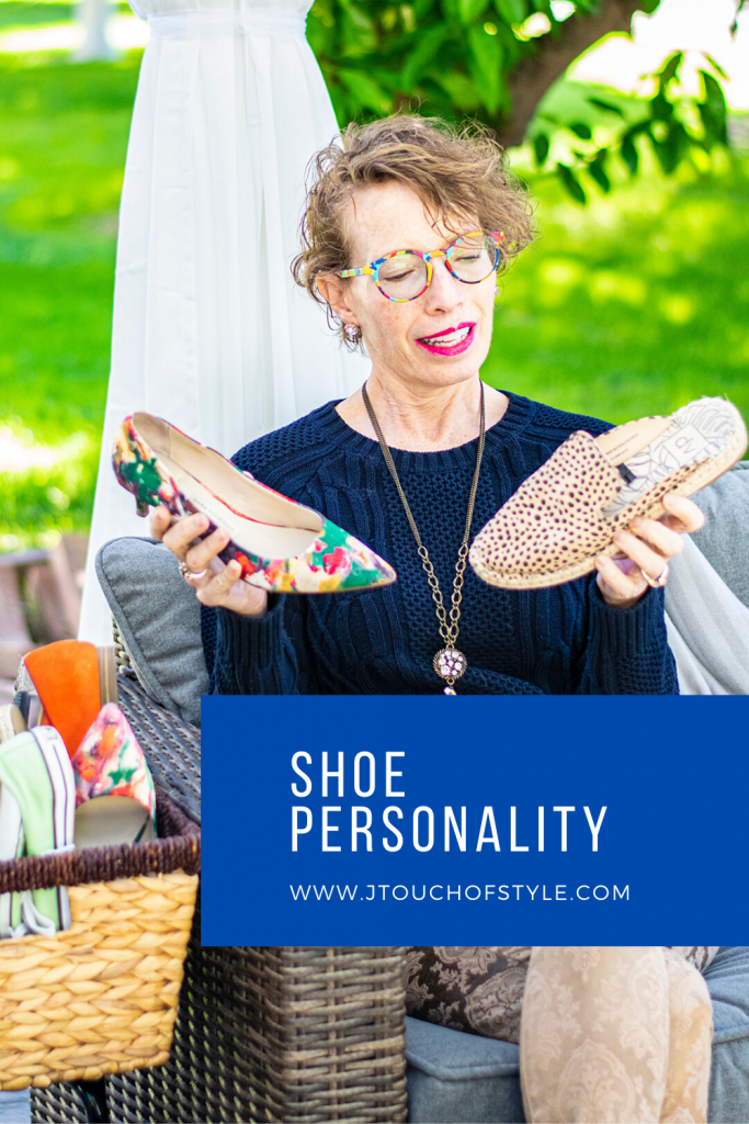 Shoe personality with different shoes