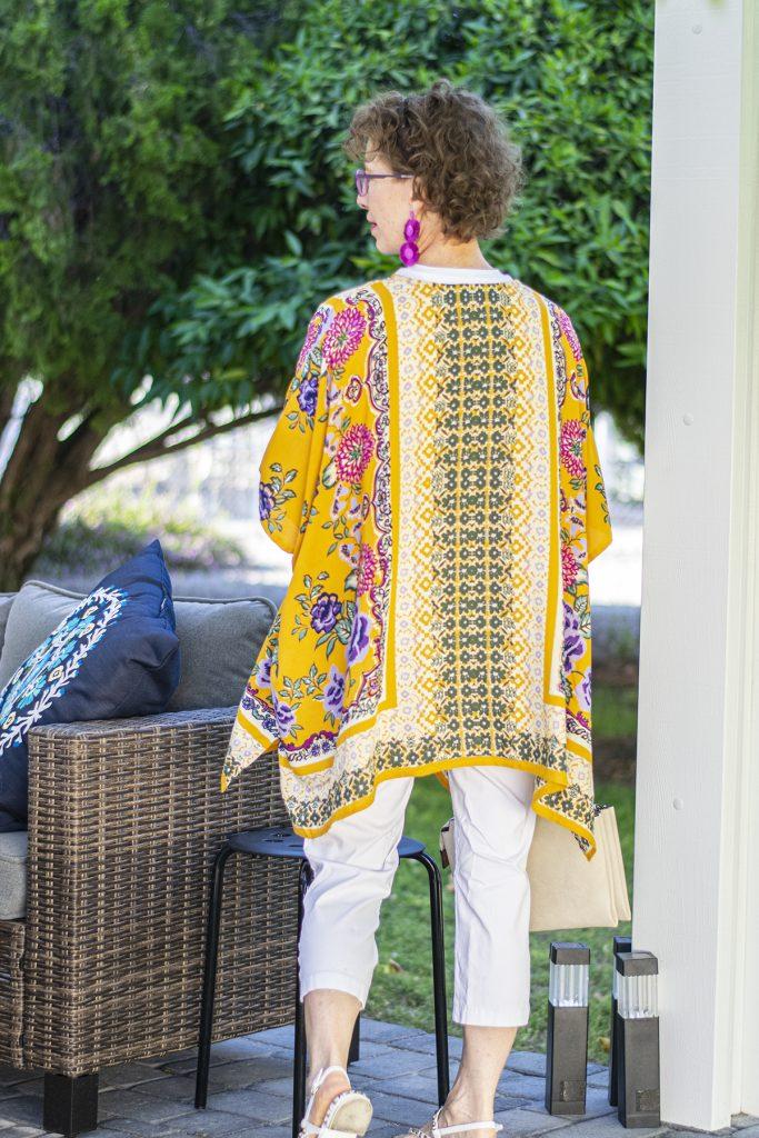 White as a neutral with a colorful kimono