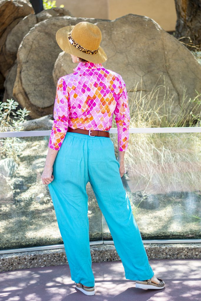 Colorful outfit on how to mix colors
