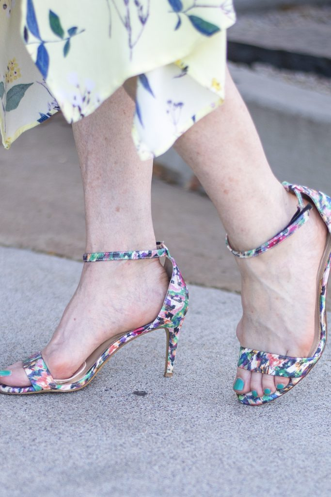 Print sandals