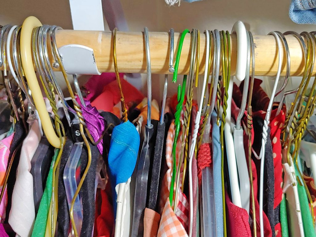 Hanging hangers backwards