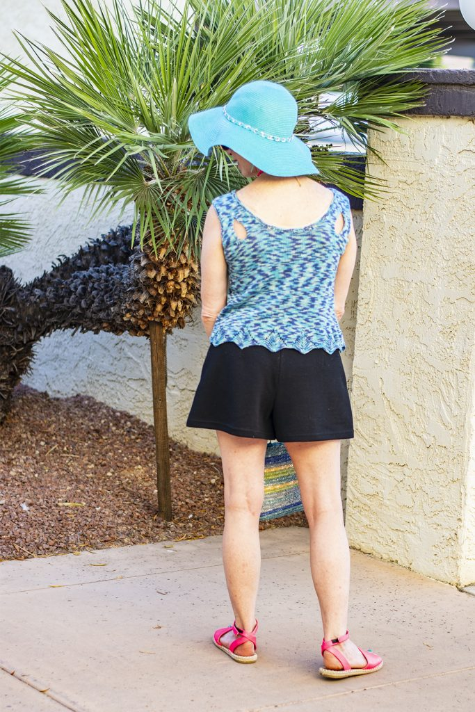 Black shorts outfit for women over 50