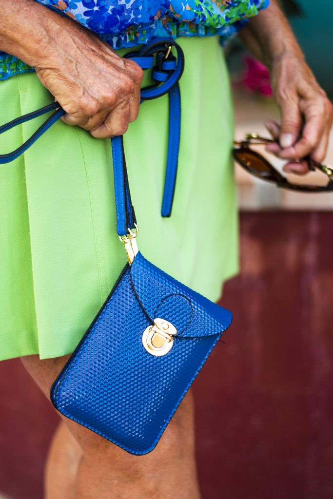 Blue purse to contrast